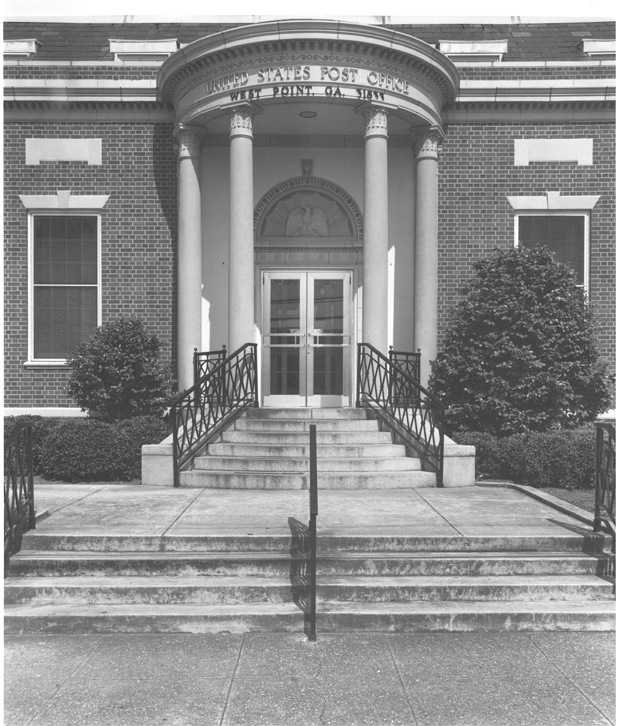Historical image of West Point, GA's Post Office provided by Troup County Archives